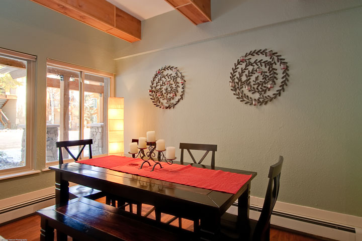 breckenridge dining table